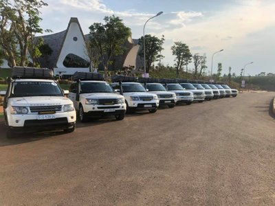 Loạt xe Range Rover của Trung Nguyên