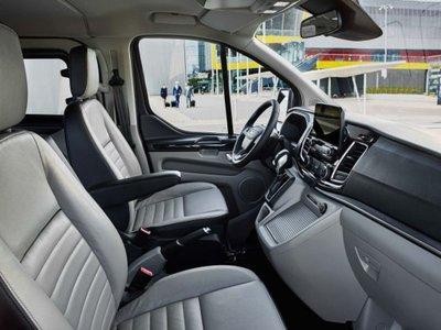 """Chuẩn bị ra mắt, Peugeot Traveller và Ford Tourneo có làm Xpander hết """"HOT""""? a9"""