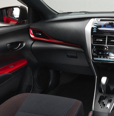 Phụ kiện nội thất chính hãng của Toyota Yaris.