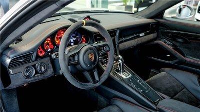Bộ đôi Porsche 911 gần 40 tỷ được bàn giao cho đại gia đất Sài Thànhgkjh