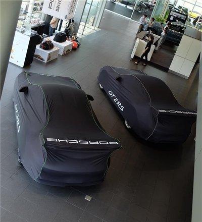 Bộ đôi Porsche 911 gần 40 tỷ được bàn giao cho đại gia đất Sài Thànhdfh