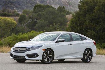 Top 10 mẫu xe có khoang nội thất rộng rãi đáng để muafgh