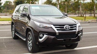 Toyota Fortuner vẫn thống trị phân khúc SUV 7 chỗ tháng 3 a1