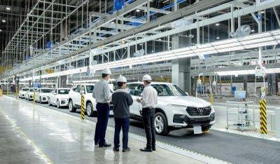 Lô xe VinFast Lux đầu tiên xuất xưởng...