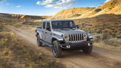 Jeep Gladiator 2020 chuẩn bị được bán ra vào hè năm nay, cạnh tranh với Ford Rangerdj