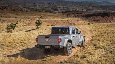 Jeep Gladiator 2020 chuẩn bị được bán ra vào hè năm nay, cạnh tranh với Ford Rangery789