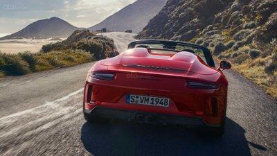 Porsche 911 Speedster 2019 đuôi xe