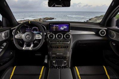 Mercedes-AMG GLC 63 nội thất 2