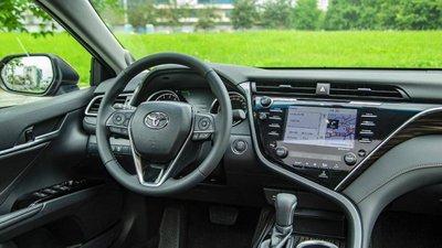 Ảnh thực tế Toyota Camry 2019 trước ngày ra mắt Việt Nam a8