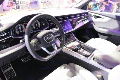 Chiếc Audi Q8 đầu tiên vừa về Việt Nam có gì đặc biệt? a1sdfgh