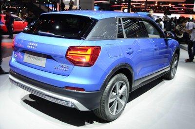 Audi Q2 L E-Tron - đuôi xe 2