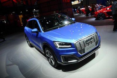 Audi Q2 L E-Tron - đầu xe 2