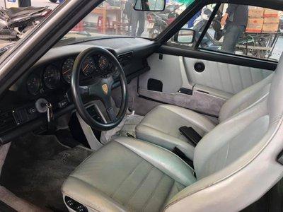 Nội thất của Porsche 930 Turbo