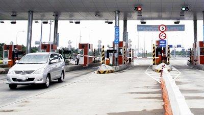 Hình thức và mức thu phí sử dụng đường bộ đối với xe ô tô mới nhất