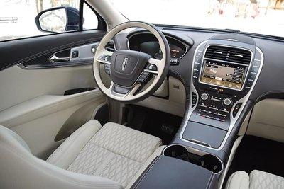 Hyundai Santa Fe góp mặt trong Top 10 xe có nội thất tốt nhất năm 2019sf