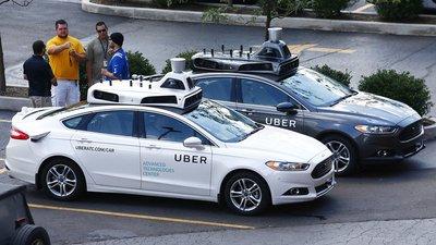 Uber bắt đầu tham gia phát triển ô tô tự lái từ năm 2015...
