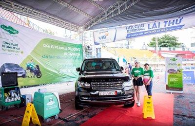 Rửa xe ô tô không tốn nước với PowerSteam.