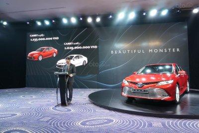 Giảm 67 triệu đồng, Toyota Camry 2019 tại Việt Nam vẫn đắt hơn Thái Lan và bị cắt nhiều trang bị a1