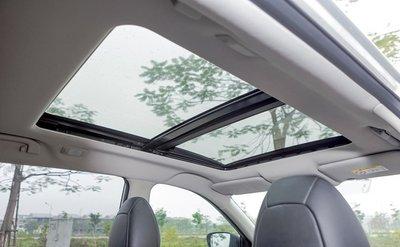Cửa sổ trời trên ô tô