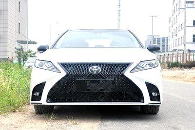 Toyota Camry 2019 gắn thêm bộ cản Lexus LS
