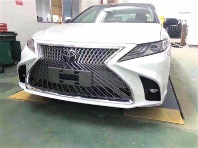 Toyota Camry 2019 gắn thêm bộ cản Lexus LS a1