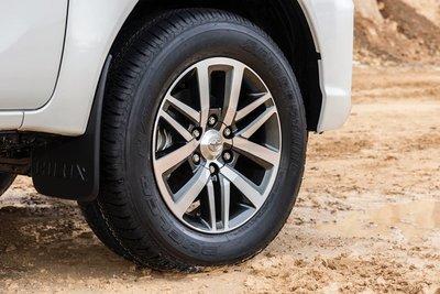Mâm xe Toyota Hilux 2019 bản đặc biệt
