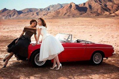 Người mẫu Minh Triệu và Hoa hậu Kỳ Duyên khoe sắc bên Datsun 1600 cổ điển - Ảnh 2.