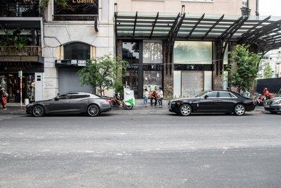 """""""Chộp"""" ngay ảnh Rolls-Royce Ghost của nhà chồng Tăng Thanh Hà tái xuất trên phố2a"""