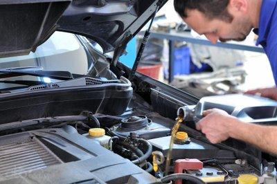 10 hiểu lầm tai hại về bảo trì ô tô - Thay dầu theo Km