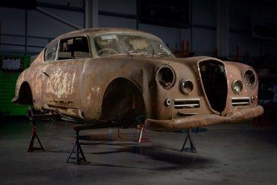 Xế cổ Lancia Aurelia B20 GT đẹp long lanh sau quá trình tái tạo tại Anh a2