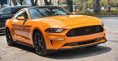 Ford Mustang 2019 màu cam cực độc đầu tiên xuất hiện tại Việt Nam.