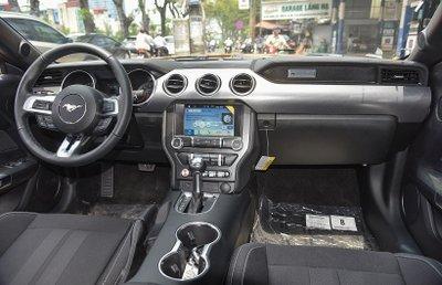 Ford Mustang 2019 màu cam cực độc đầu tiên xuất hiện tại Việt Nam - Ảnh 2.
