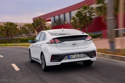 Hyundai Ioniq 2020 tăng cường sức mạnh
