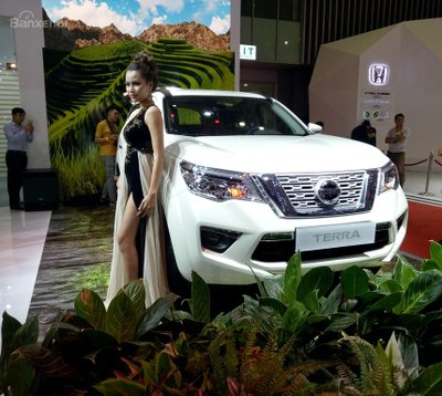 Nissan Terra 2019 tiếp tục giảm giá niêm yết tại Việt Nam a1