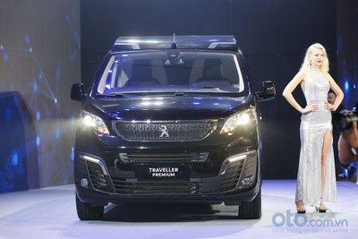 Thaco ra mắt mẫu Peugeot Traveller tại Việt Nam.