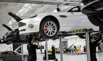 Aston Martin Việt Nam tổ chức sự kiện chăm sóc xe miễn phí a3.