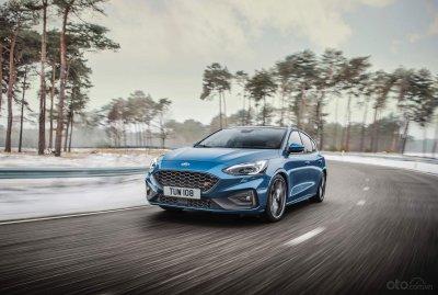 Ford Focus ST 2019 công bố giá gần 900 triệu đồng tại Anh
