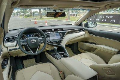 Nội thất Toyota Camry 2019 đẹp và hiện đại.