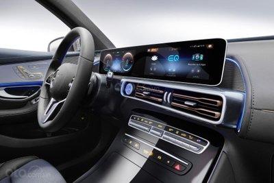 Mercedes EQC - nội thất 2