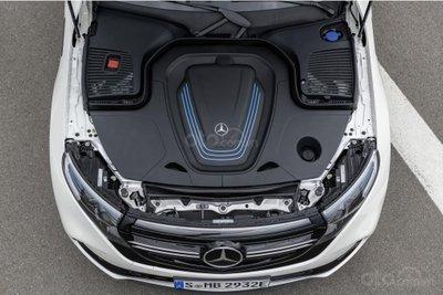 Mercedes EQC - động cơ