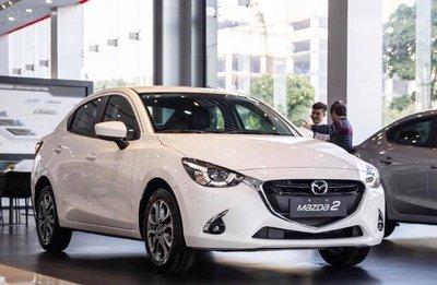 Mazda 2 bao gồm 8 phiên bản, giá niêm yết từ 509-607 triệu đồng