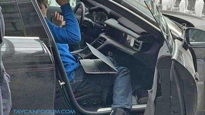 Xe thuần điện Porsche Taycan 2020 hé lộ hình ảnh nội thất a5