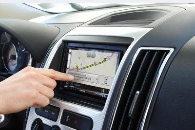 Ô tô nhiều công nghệ: Hiện đại… hại điện! a2
