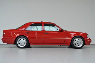 Soi Mercedes E60 AMG 500E 1995 cực hiếm có giá 396 triệu đồng a2