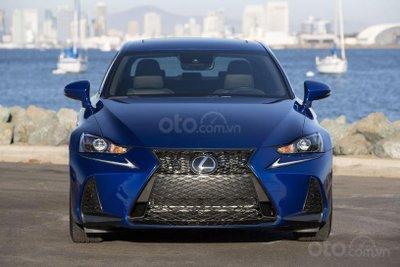 Ưu nhược điểm của Lexus IS 2019