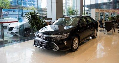 Toyota Camry là một trong những mẫu xe giảm giá mạnh trong tháng 4