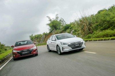 Ảnh ngoại thất Hyundai Elantra và Elantra Sport 2019 tại Việt Nam..