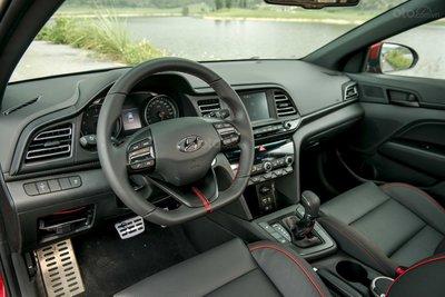 Ảnh chi tiết Hyundai Elantra Sport 2019 a14