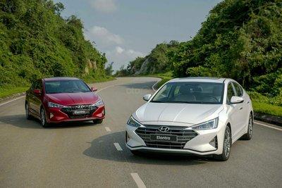 Ảnh Hyundai Elantra và Hyundai Elantra Sport 2019 Việt Nam