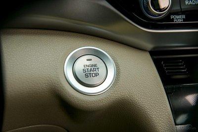 Nút bấm khởi động trên Hyundai Elantra 2019...